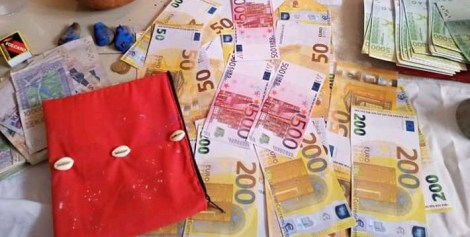 porte monnaie magique, WHATSAPP : 00229 61 70 70 82